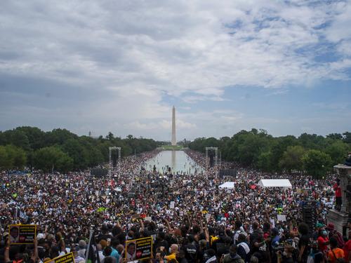 【robots】_直击美国万人示威:拜登特朗普各执一词 两个美国哪个真?