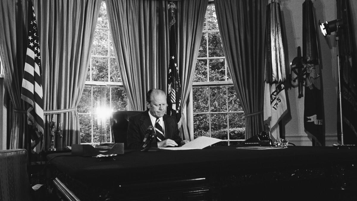 △1974年9月8日,时任美国总统杰拉尔德·鲁道夫·福特宣布授予尼克松完全且无条件的特赦。