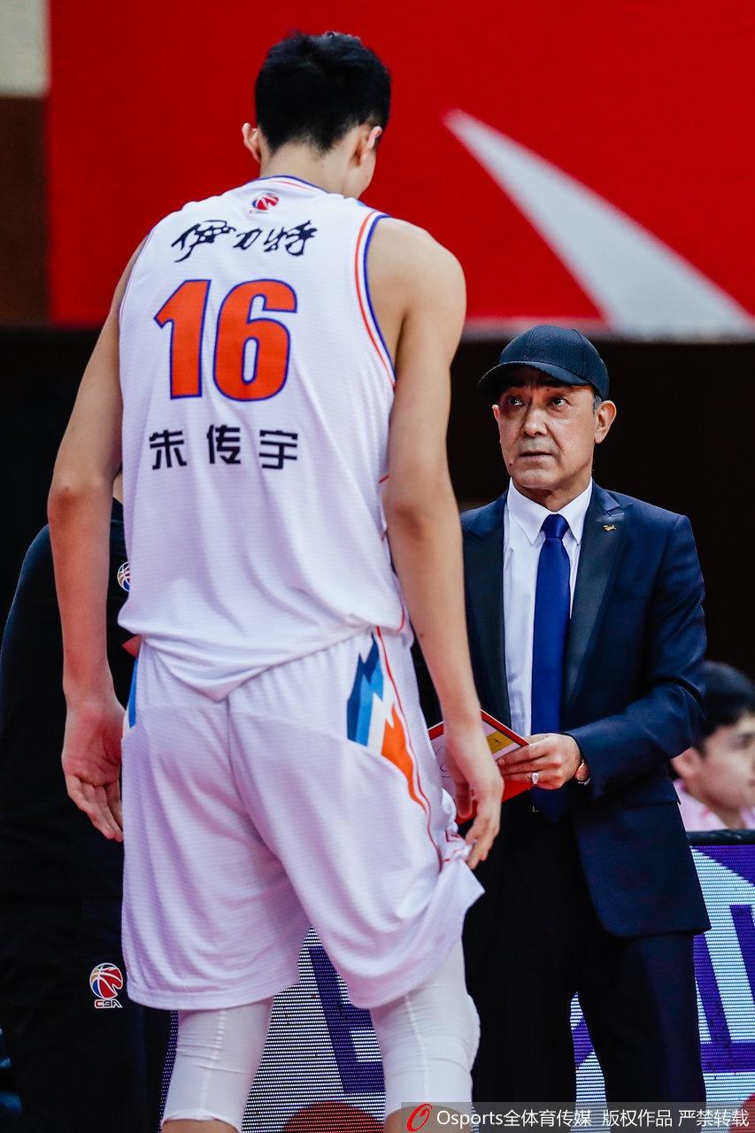 阿的江教练给了朱传宇机会。