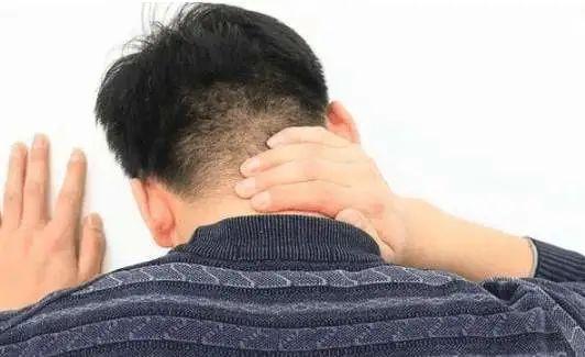 脖子痛原来是骨头被吞噬,夜间骨痛的你需当心