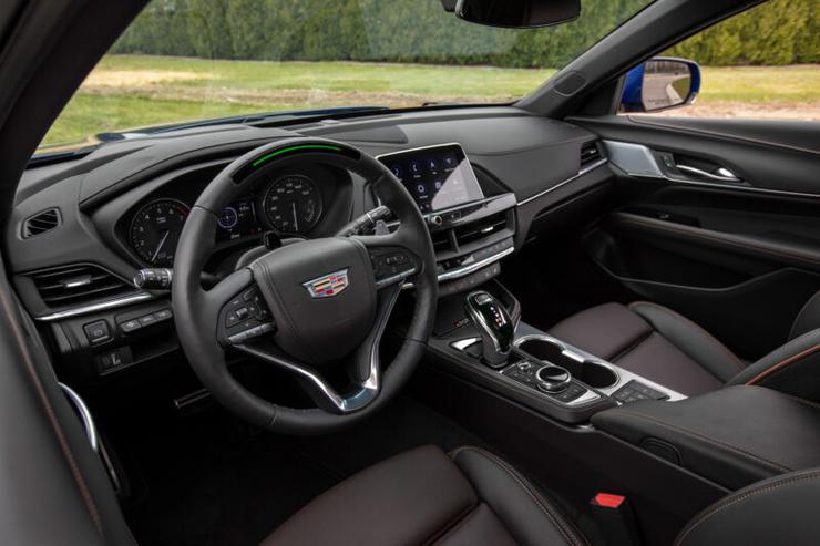 美国《消费者报告》比评17款辅助驾驶系统:通用