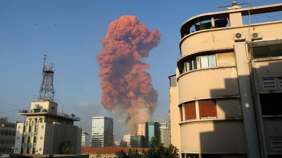 贝鲁特爆炸现场升起的蘑菇云(资料图)