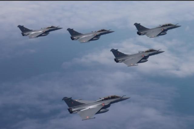 印度阵风强过中国歼-20?美媒听了直摇头