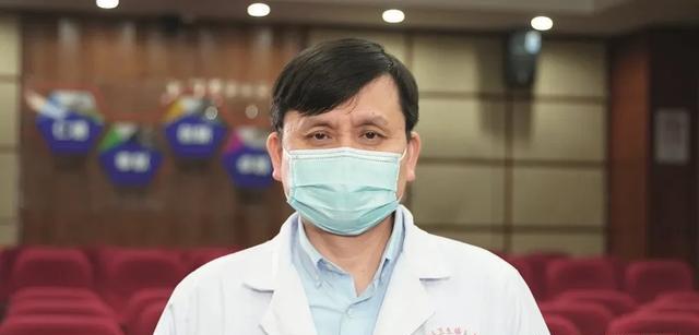 张文宏:非典病毒像恶龙,新冠表面像狗实际像狼