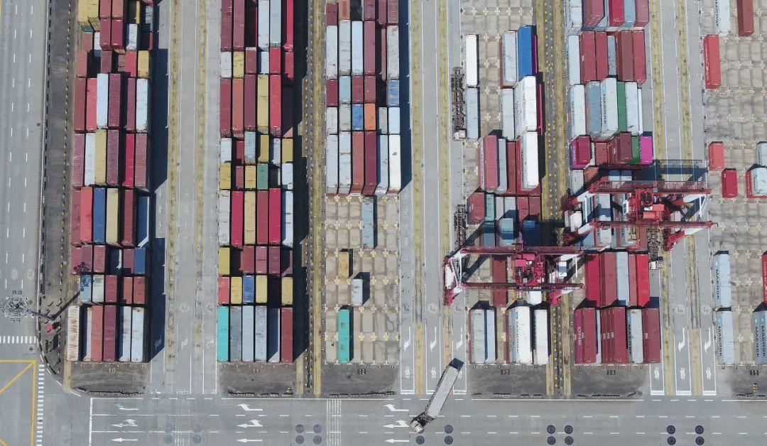【挂黑链】_三大危机叠加,中国经济如何涉险过关?