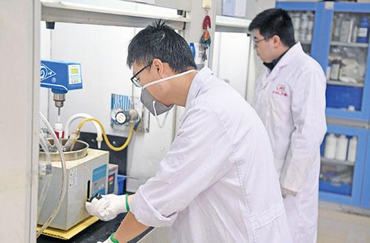 高科技领跑 赋能绿色产业 重庆一环保企业研发出高效除甲醛制剂