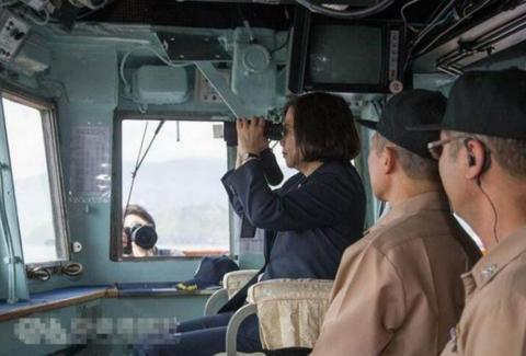 台军舰空压机爆炸致2伤1人内脏破裂,军方疑封锁消息