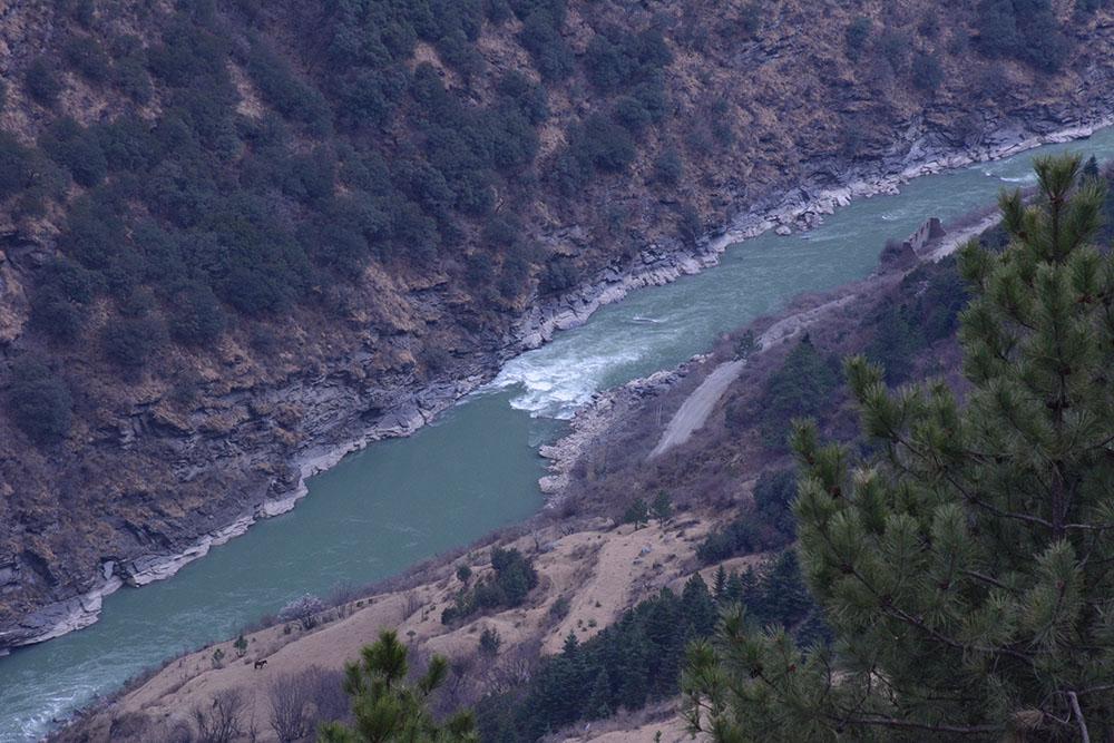 雅砻江支流鲜水河