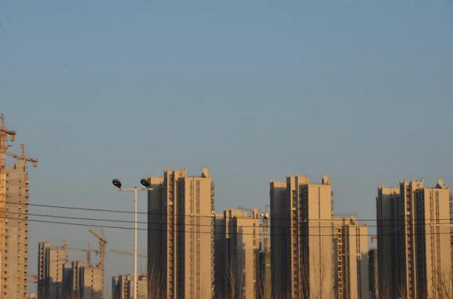 """疫情下房地产商""""自救"""":从许家印75折""""抛""""楼到北京热盘拥抱""""京东自营"""""""
