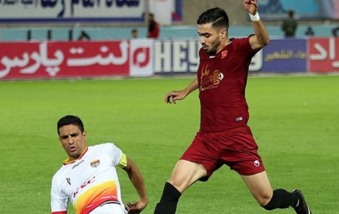 伊朗联赛太强了!两队28人确诊,推迟多场比赛,依旧不停摆
