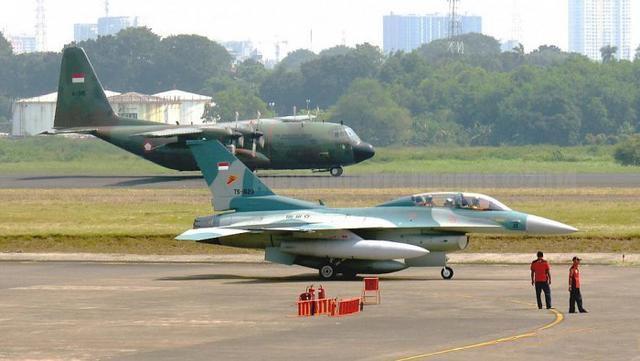 """军贸竞争变""""战争"""",美国对俄罗斯全球狙击,迫使印尼放弃苏35"""