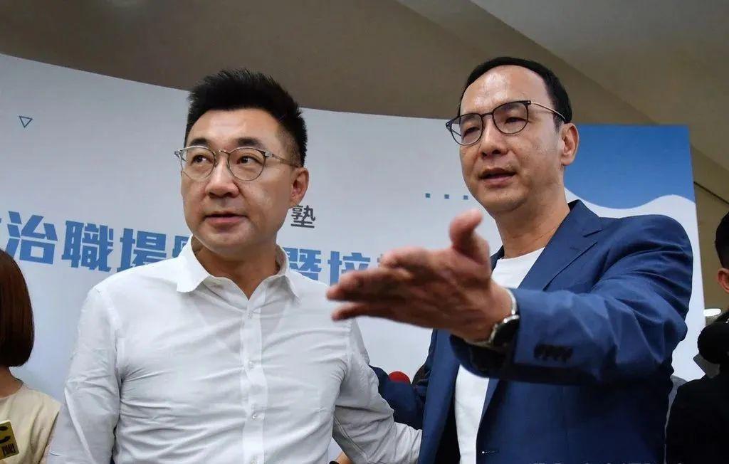 7月11日,江启臣、朱立伦同台参加活动,力破内斗传闻。