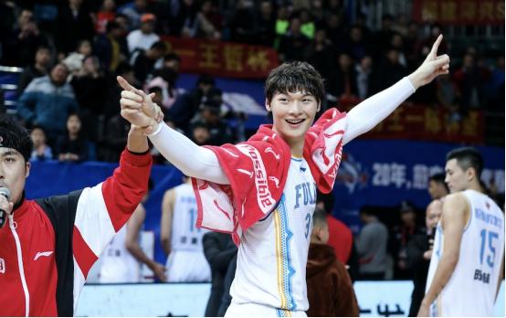 源自豹发力!王哲林51分创新高,现役首位50+本土球员