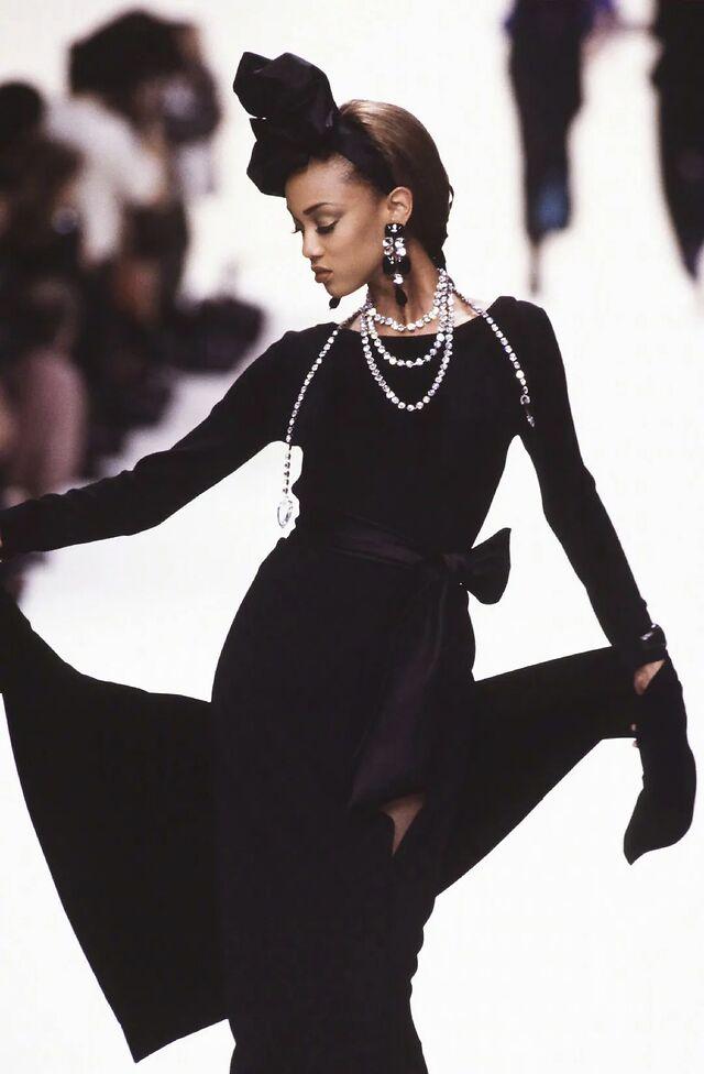 tyra 超模Tyra Banks模特圈的传奇!登上《福布斯》!MDC传奇超模!