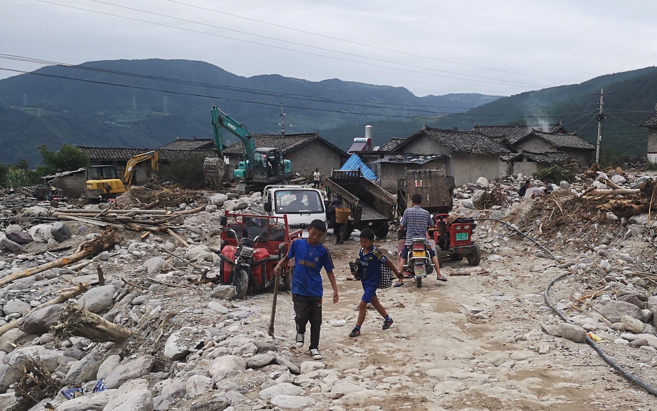 【雅虎博客】_四川冕宁特大暴雨中的大堡子村:河流改道,山石砸毁民房