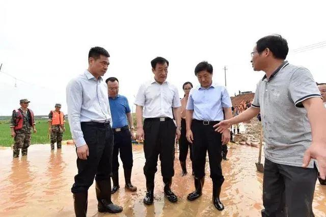 """【彩乐园注册邀请码12340】_鄱阳湖""""一线"""":省委书记、两位少将、多支部队力量到场"""