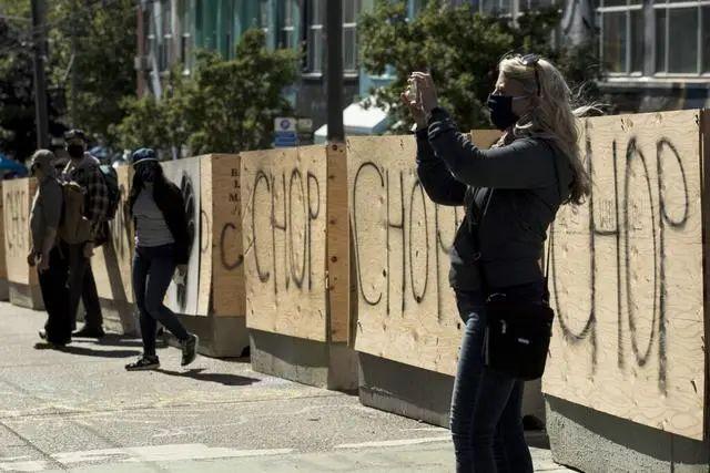"""再见乌托邦,西雅图""""自治""""美梦在枪声中破灭"""