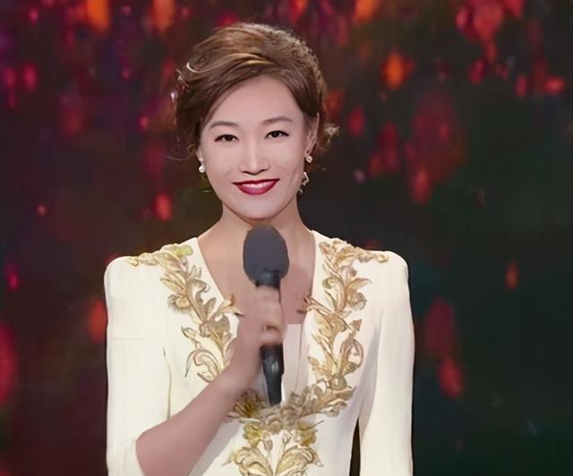 月亮姐姐为43岁李梓萌在线征婚 后者素颜出镜依旧精致 八卦 第9张