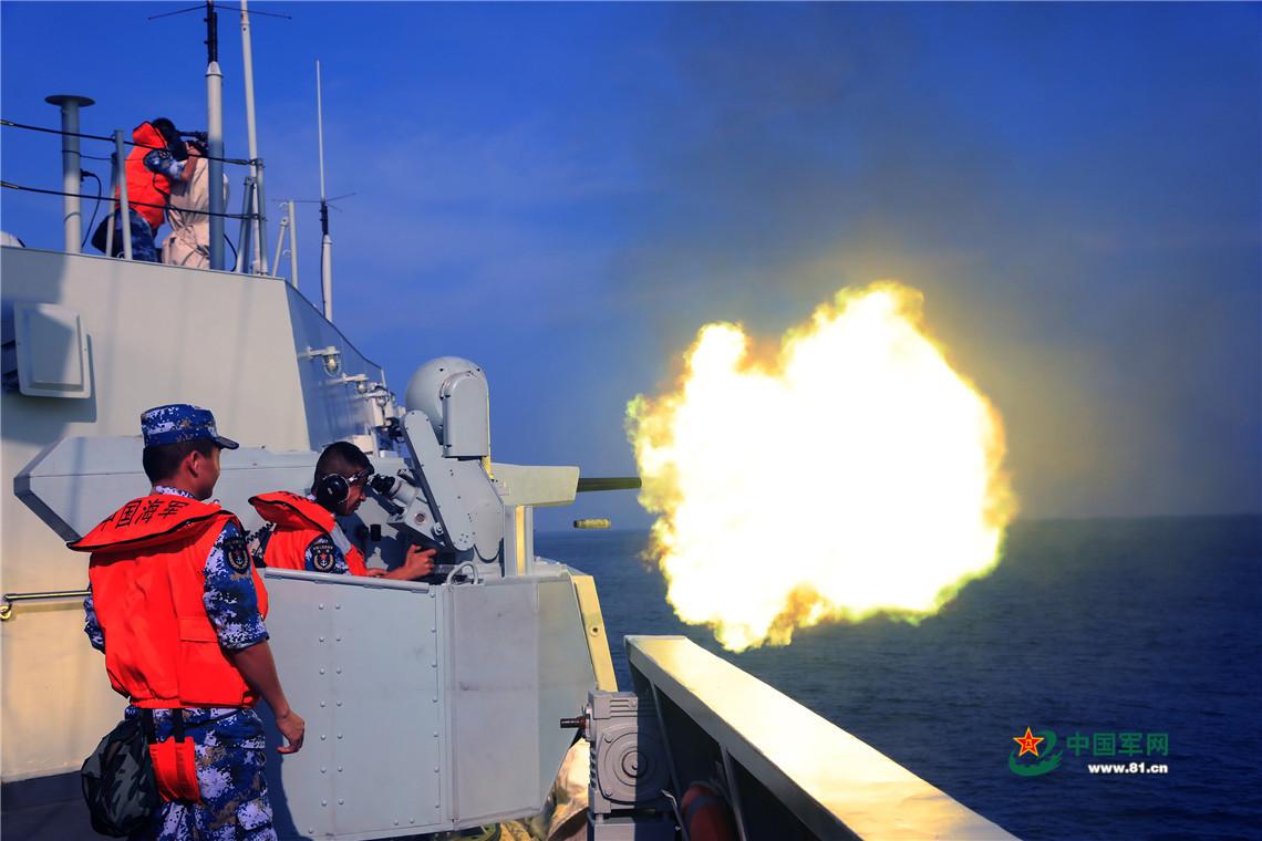 潮州舰、泉州舰海上编队实战化训练 海空联合出击场面壮观