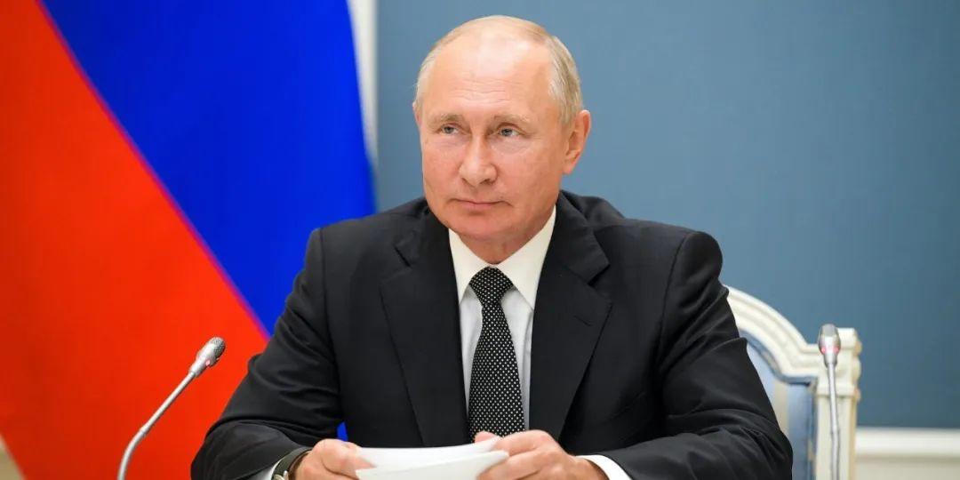 俄联邦总统普京可以干到2036年了,服不服?