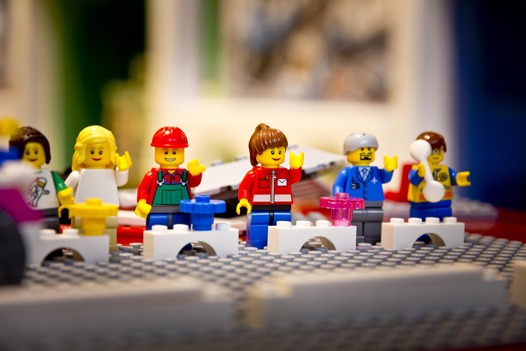 积木王国80年商业传奇:从小木工厂到全球最大玩具制造商 乐高创始人
