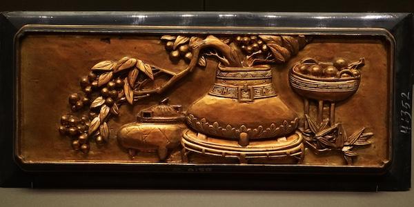 金漆木雕横肚减地浮雕博古图尊彝炉鼎等器物