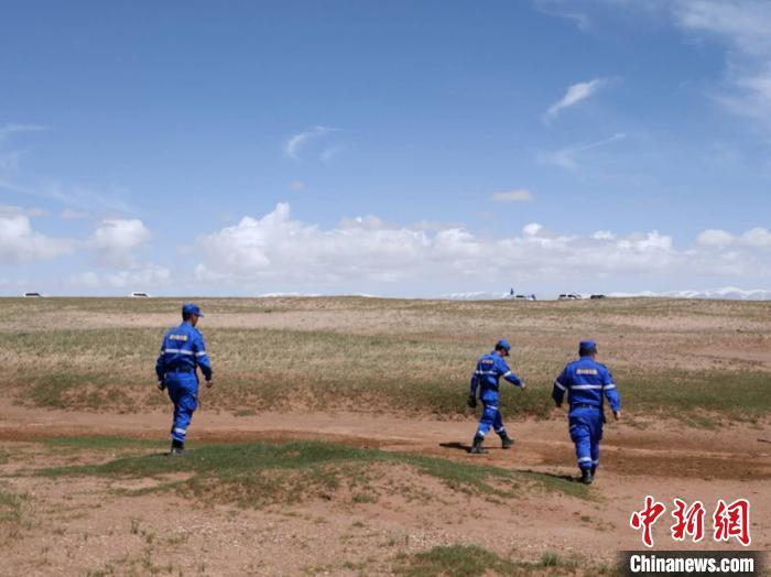 【百度优化排名软件】_青海救援队负责人:失联女孩遗物没有血迹 可能有轻生目的
