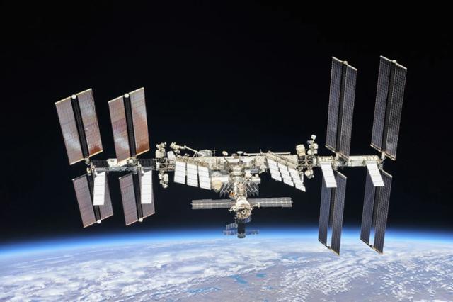 中国空间站将正式部署,NASA局长急了:给钱