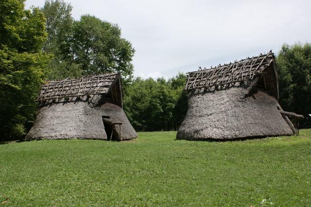 日本建筑简史:不在欧洲,却有环山城堡;不在中国,却有木城寺庙