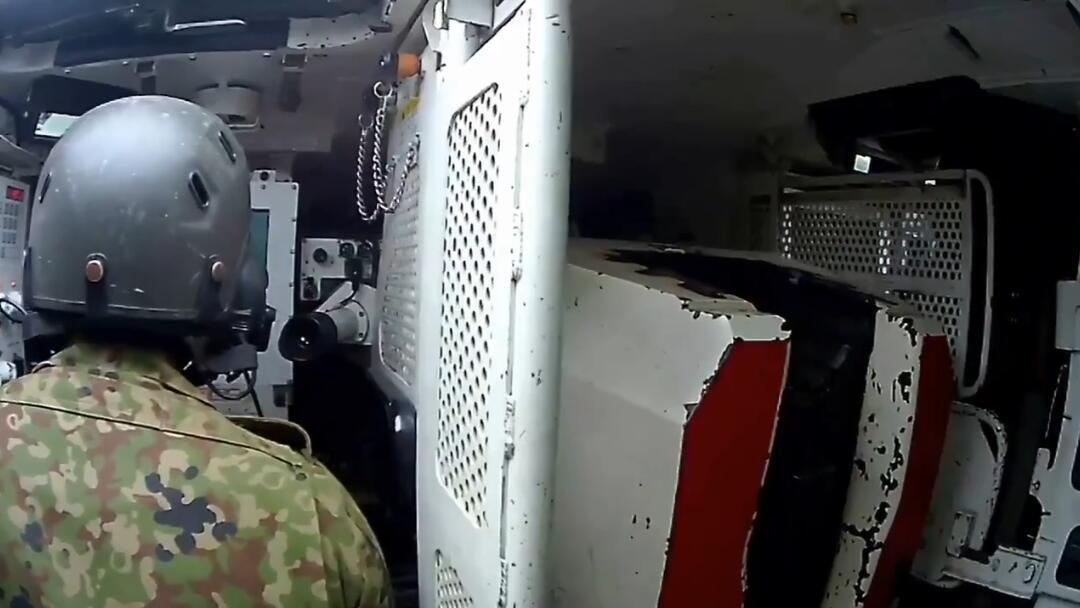 日本首次公开10式主战坦克内部画面 自动装弹机曝光