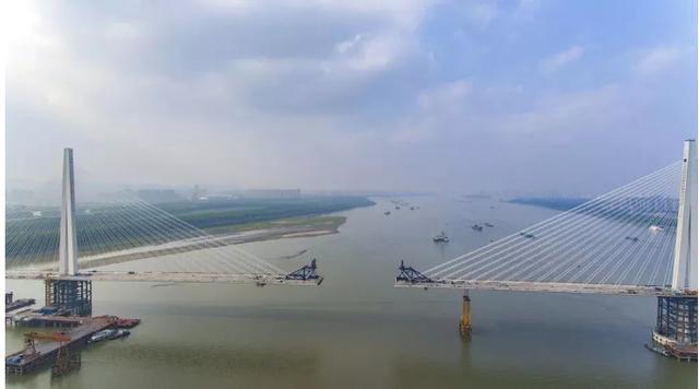 快讯!长江五桥夹江隧道全线贯通!颐和