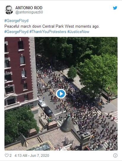 推特网友配图展示中央公园附近的游行活动