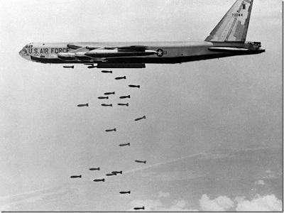 一声闷响,美军万吨航母沉入海底:越南业余特工一战成名