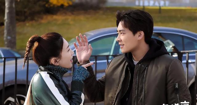李易峰和江疏影的情侣装要不要这么甜啊
