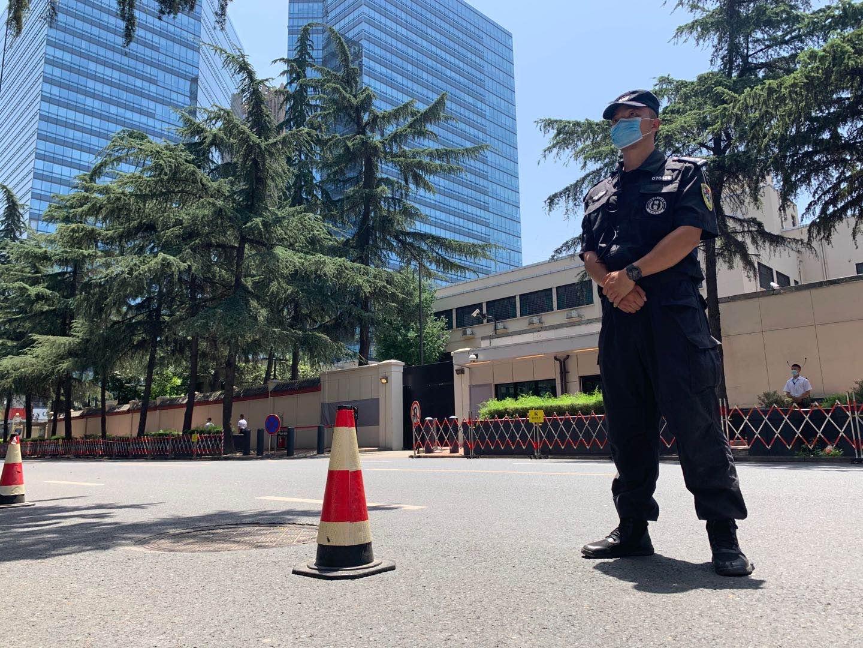 美方人员撤离后,中方相关主管部门已接管该场地。本文图片均为澎湃新闻记者 胥辉 图