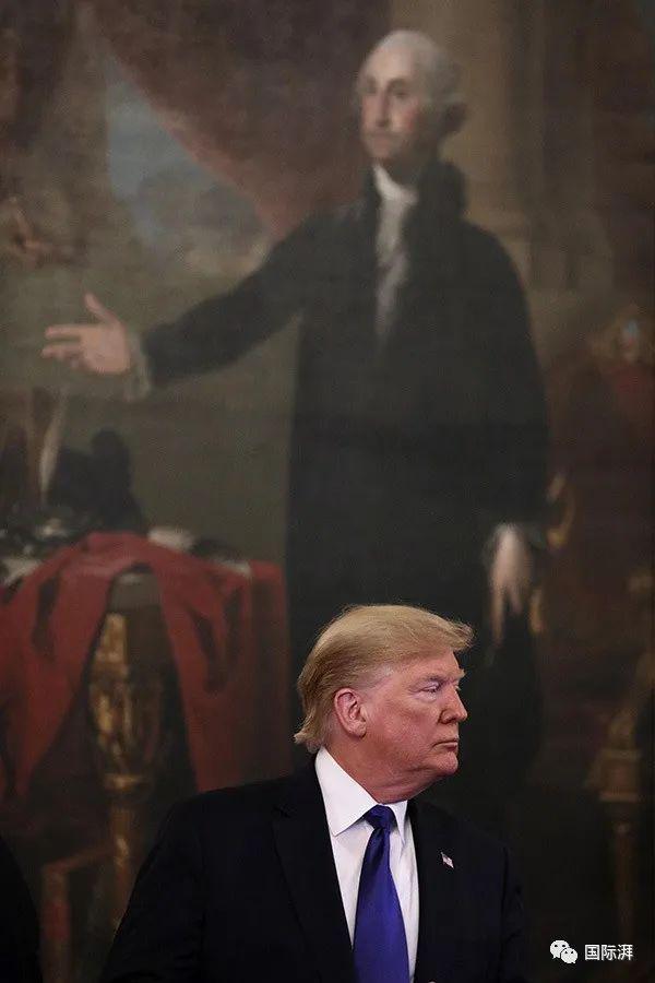"""两党大会小结:一场""""公投特朗普""""与""""真正美国人""""的对抗"""