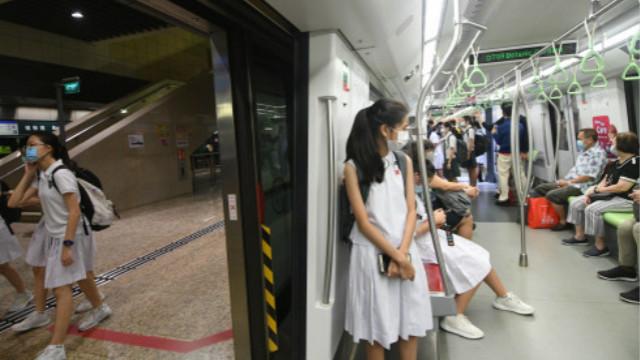 """新加坡拟发放特别补贴,鼓励在疫情期间""""生娃""""刺激长期经济"""