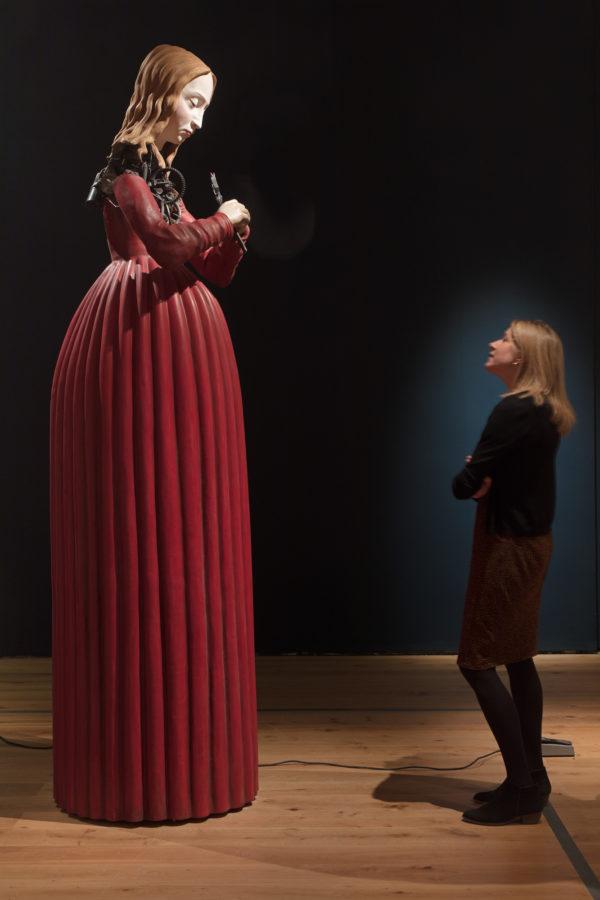 迈克尔·兰迪(1963年生),《圣阿波罗尼亚》,2013年,玻璃纤维雕塑