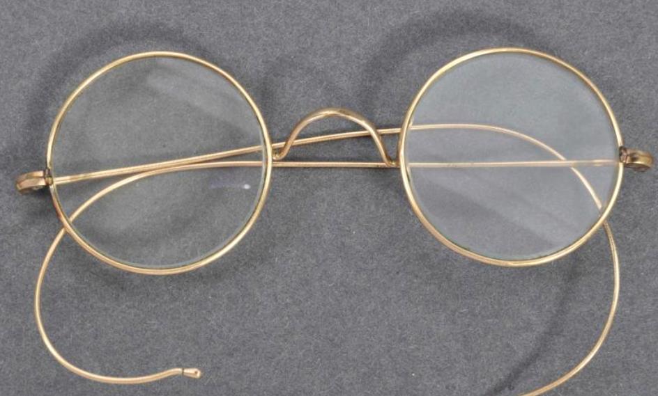 """【钱壮为简历】_印度""""圣雄""""甘地镀金眼镜在英国以26万英镑高价拍出"""