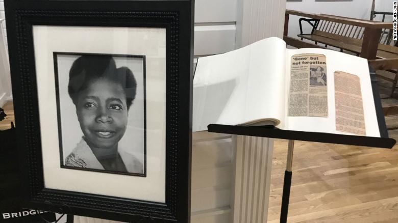 """佐治亚州琼斯伯勒""""通往塔拉之路博物馆""""新增黑人演员巴特弗莱·麦昆的肖像和简报展陈"""