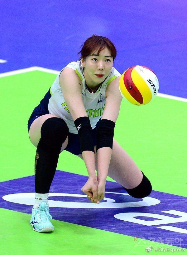 体坛悲剧!韩国25岁女排球员自杀原因曝光