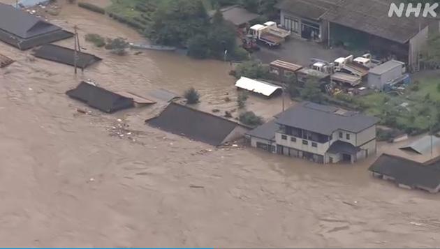 洪灾现场,NHK视频截图