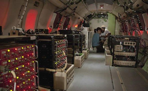 美军神秘特种机坠毁阿富汗!全球仅4架,被称为长翅膀的路由器