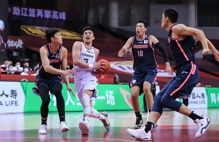 22分大逆转!辽宁险胜广东 总分1-1 郭艾伦梅奥合砍56分