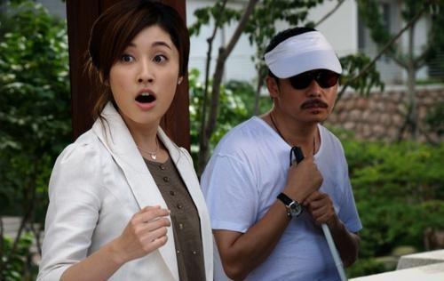 田中千绘(左)刘桦