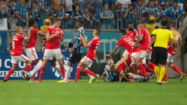 南美解放者杯爆发群殴,裁判出示8张红牌