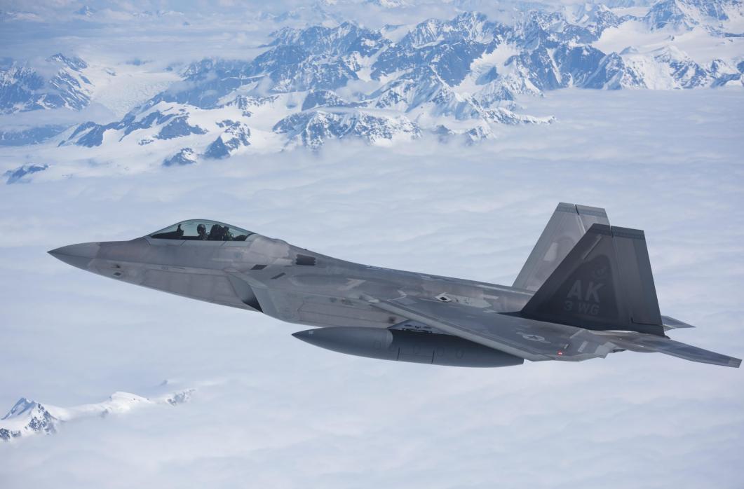 F-22战斗机在北极训练