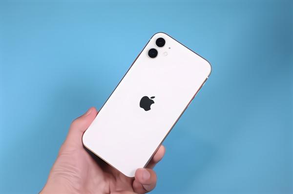 外媒报道:中国智能手机销量可能在第一季度跌30-50%