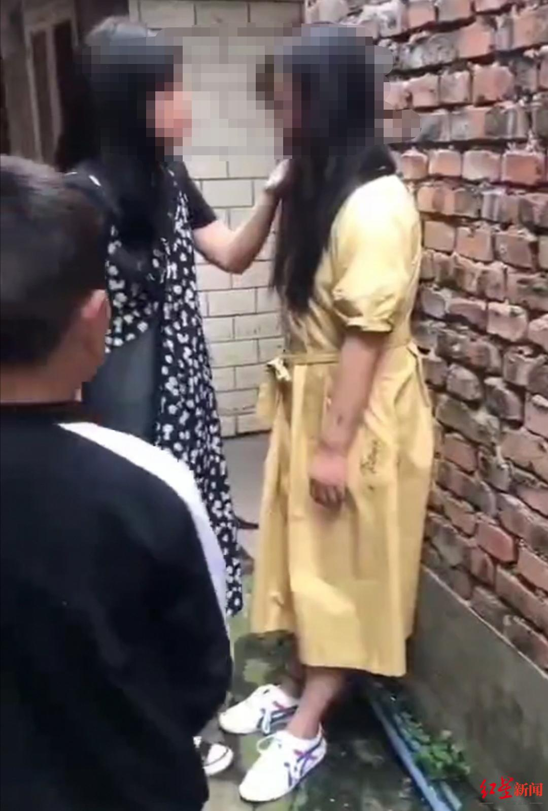 【域名和空间】_四川乐山未成年女孩遭7人欺凌并拍视频 警方介入调查