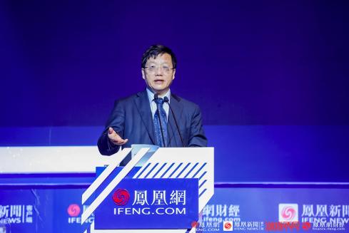 图为中信集团原监事长、中信银行原行长朱小黄